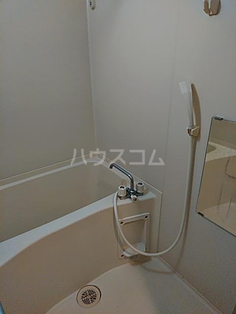 ジュネッセ浦和 301号室の風呂
