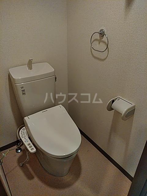 ジュネッセ浦和 301号室のトイレ