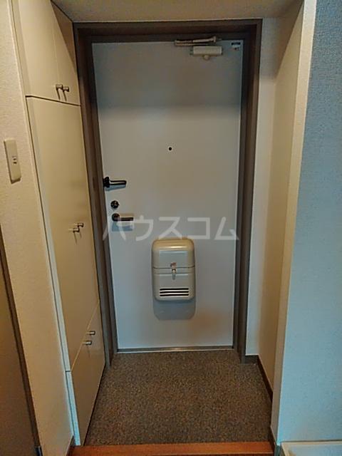 ジュネッセ浦和 301号室の玄関
