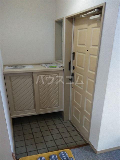 アサマ・ドリームハイツ 202号室の玄関