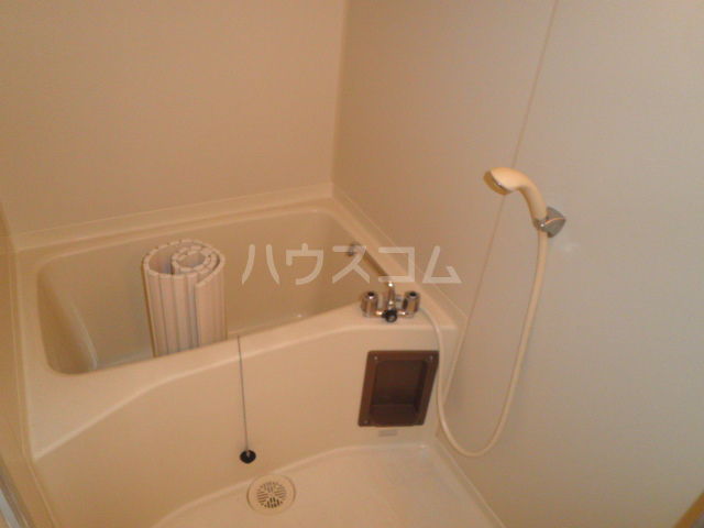 マンション太田窪 206号室の風呂