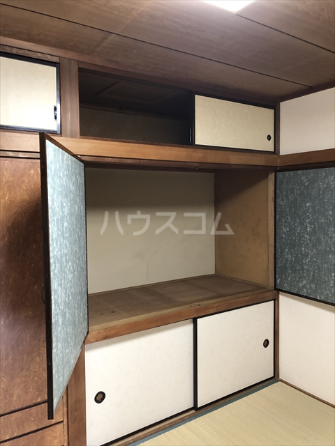 クラインハイツ 301号室の収納