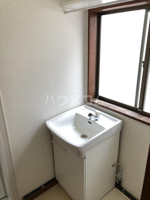 クラインハイツ 301号室の洗面所
