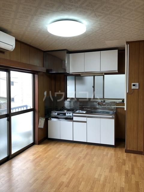 クラインハイツ 301号室のキッチン