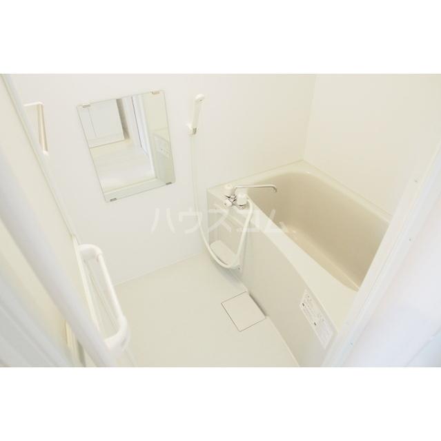 ガーデンヒルズ鈴谷 0302号室の風呂