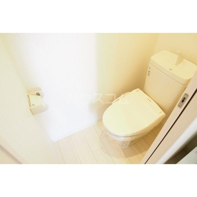 ガーデンヒルズ鈴谷 0302号室のトイレ