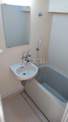エメラルドマンション 202号室の風呂