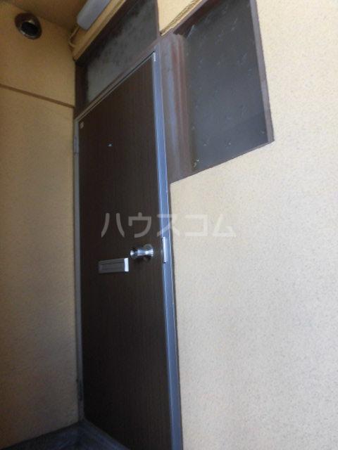 ハイツイシカワ 202号室のエントランス
