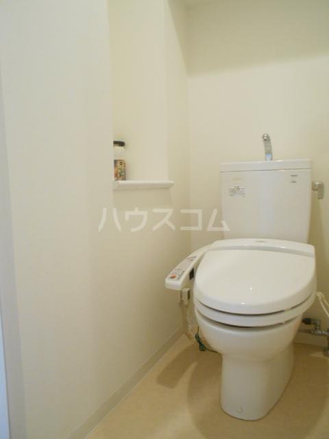 スカイコート新小岩 1005号室のトイレ