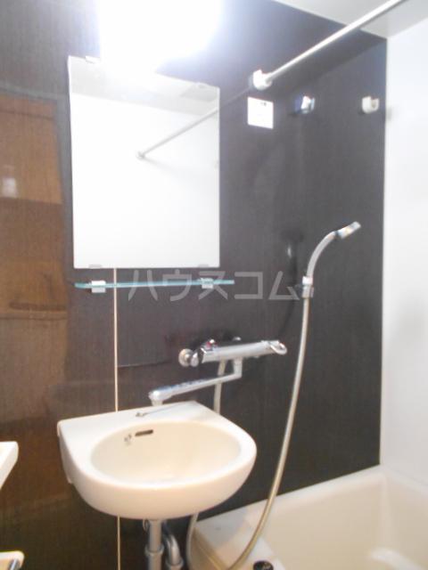 スカイコート新小岩 1202号室の洗面所