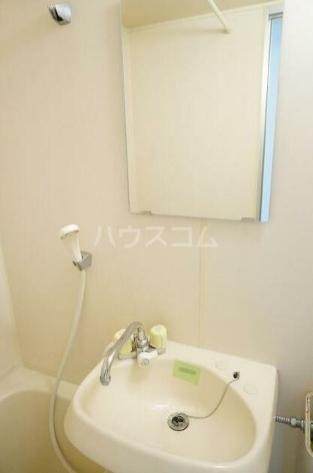 コーポリバーサイド 102号室の洗面所
