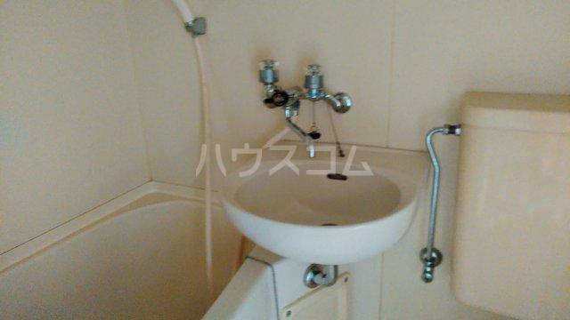 ジュネス田口 402号室の洗面所