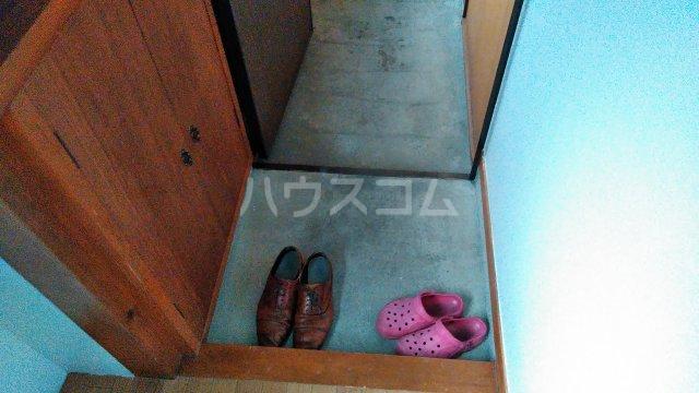 星ハイツ  201号室の玄関