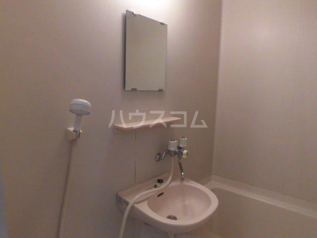 グロウス国立Ⅰ 102号室の洗面所