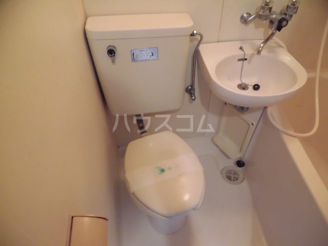 グリーンハイム志村2号棟 210号室のトイレ