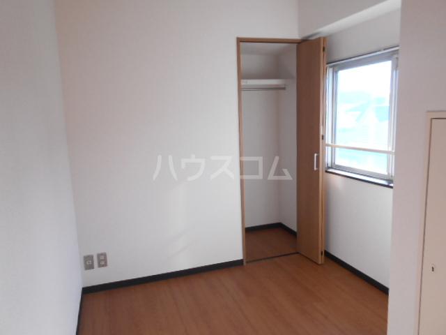 浅井ビル 303号室の居室