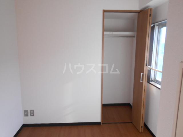 浅井ビル 303号室の収納