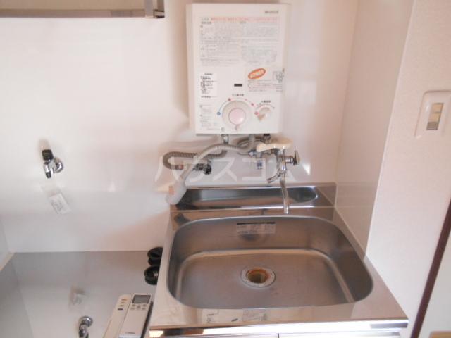 浅井ビル 303号室のキッチン