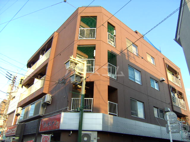 浅井ビル 303号室のエントランス