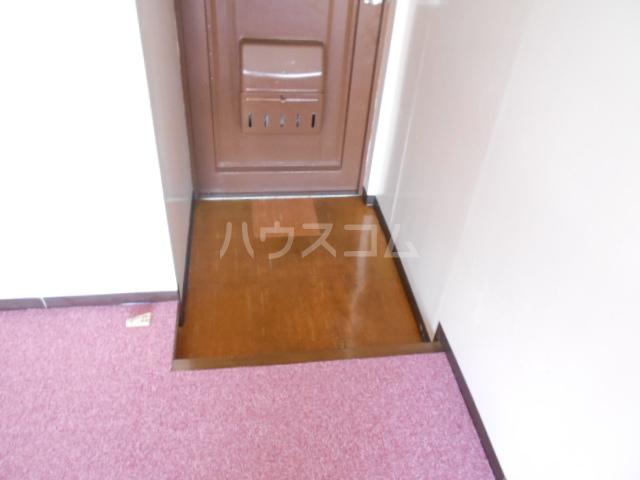 浅井ビル 305号室の玄関