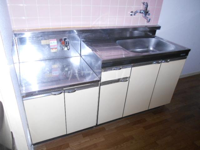 KMハイツ 103号室のキッチン