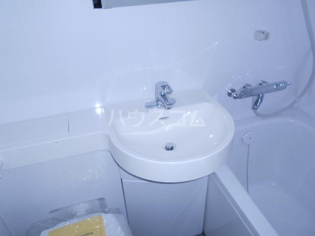 KMハイツ 103号室の洗面所