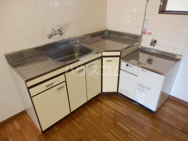 清和レジデンス2号棟 20A号室のキッチン