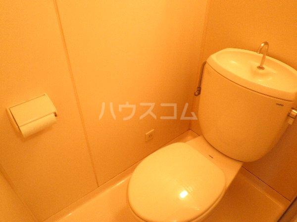 石山荘 L号室のトイレ