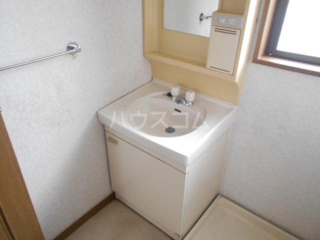 中1丁目貸家 201号室の洗面所