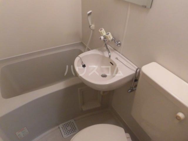 マリオン国立 201号室の洗面所