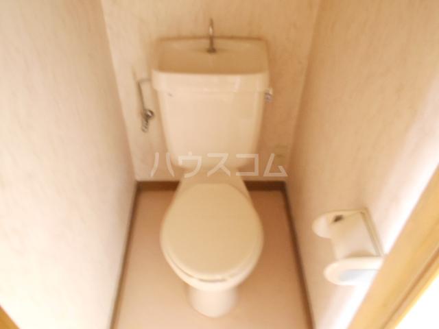 グリーンエイト F号室のトイレ