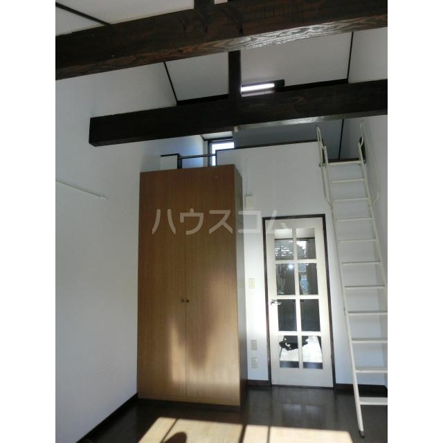 アイビーハウス 203号室の居室