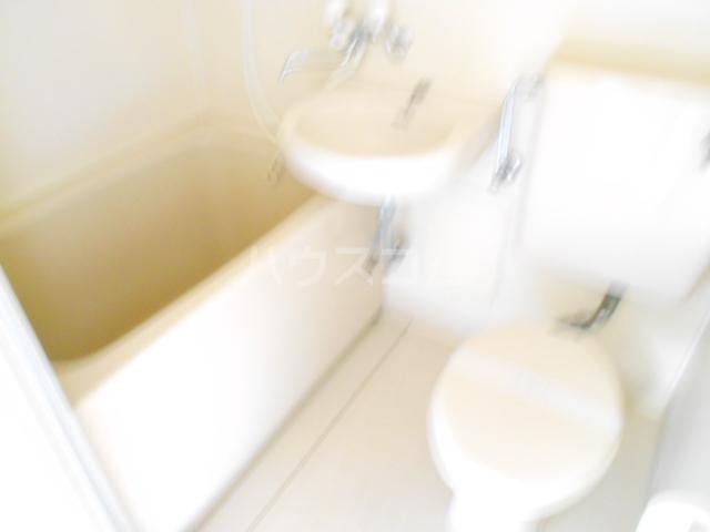 シャルム国立 203号室の風呂