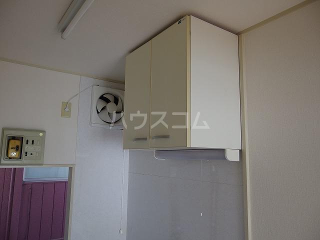 日生ハイム 102号室のキッチン