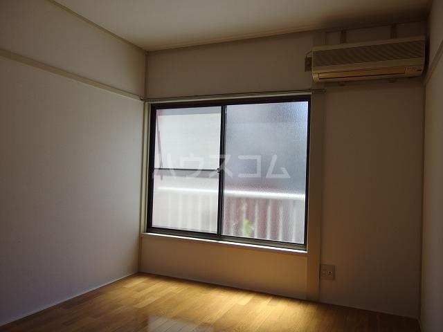 日生ハイム 102号室の居室