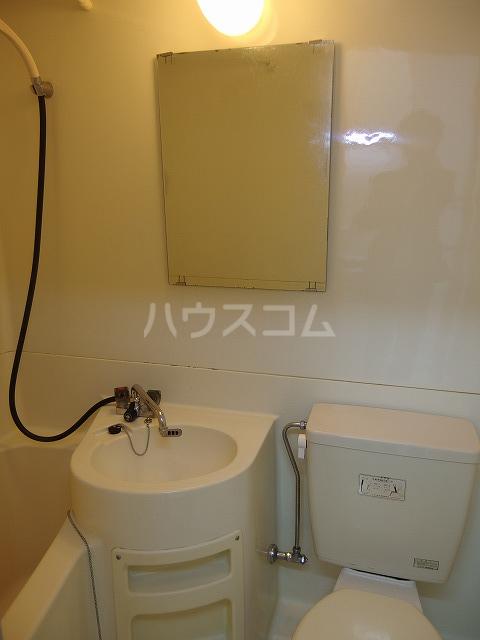 日生ハイム 208号室の洗面所