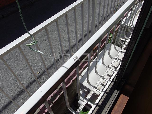 日生ハイム 208号室のバルコニー