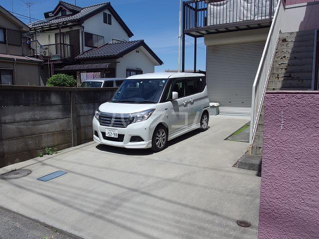 日生ハイム 208号室の駐車場