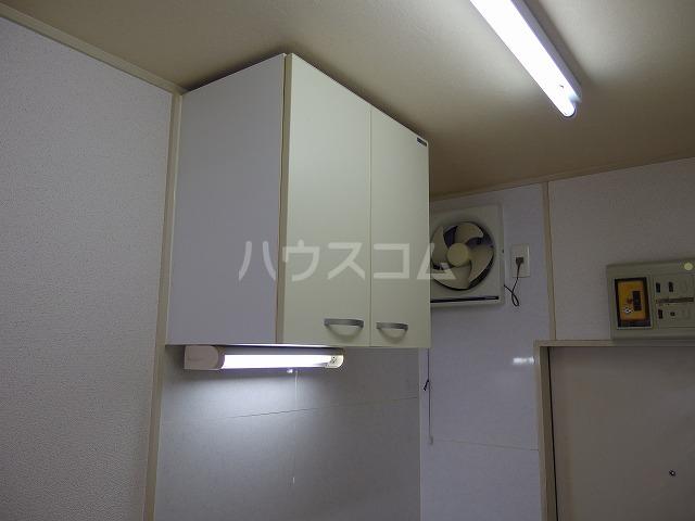 日生ハイム 208号室のキッチン
