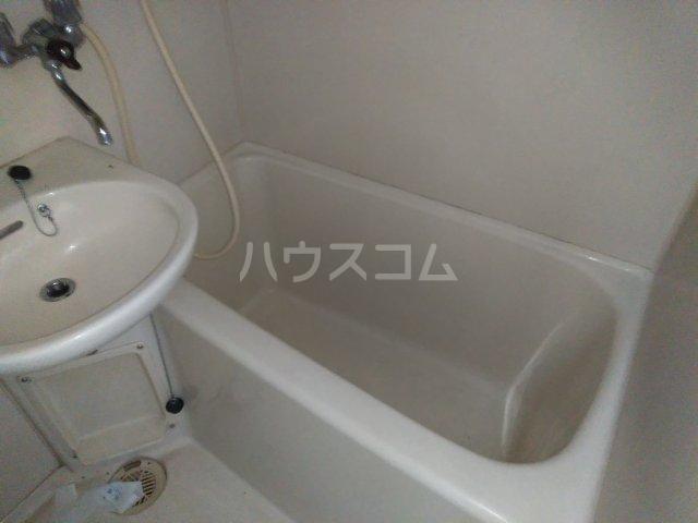 アップルハウス相武台 205号室の風呂