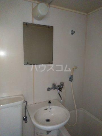 アップルハウス相武台 205号室の洗面所