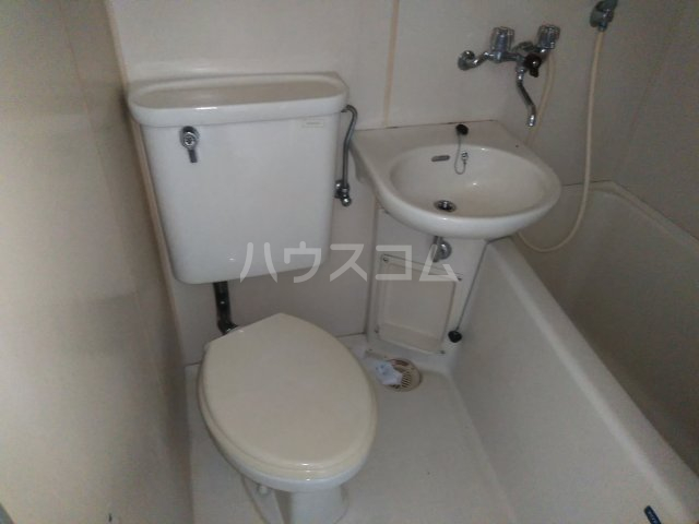 アップルハウス相武台 205号室のトイレ