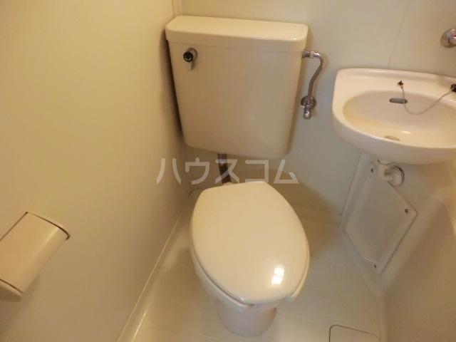 シルキー東林間 208号室のトイレ