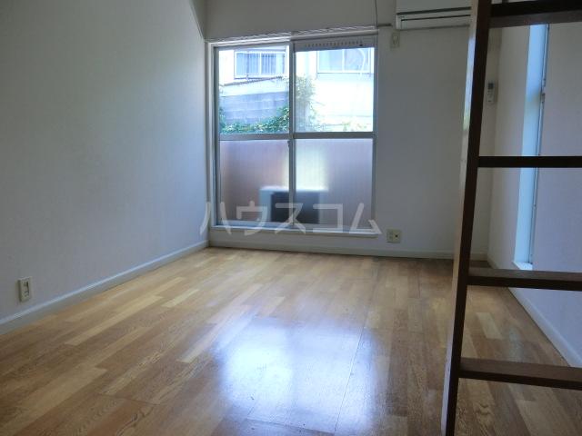 シルキー東林間 208号室の居室