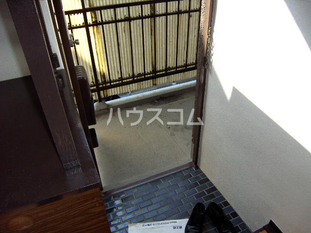メゾン新川口東棟 201号室の玄関