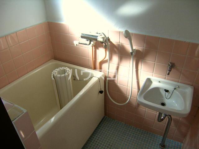メゾン新川口東棟 201号室の風呂