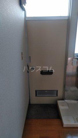 第六美多摩 202号室の玄関