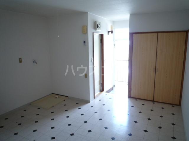 コーポアオキ 205号室の居室