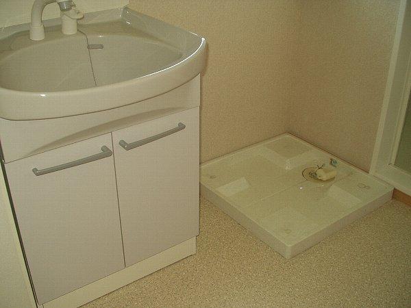 パストラル B 202号室の洗面所