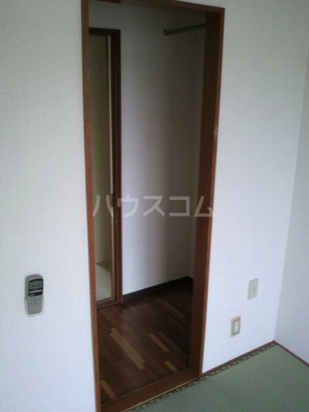 カレッジ平成 204号室の収納